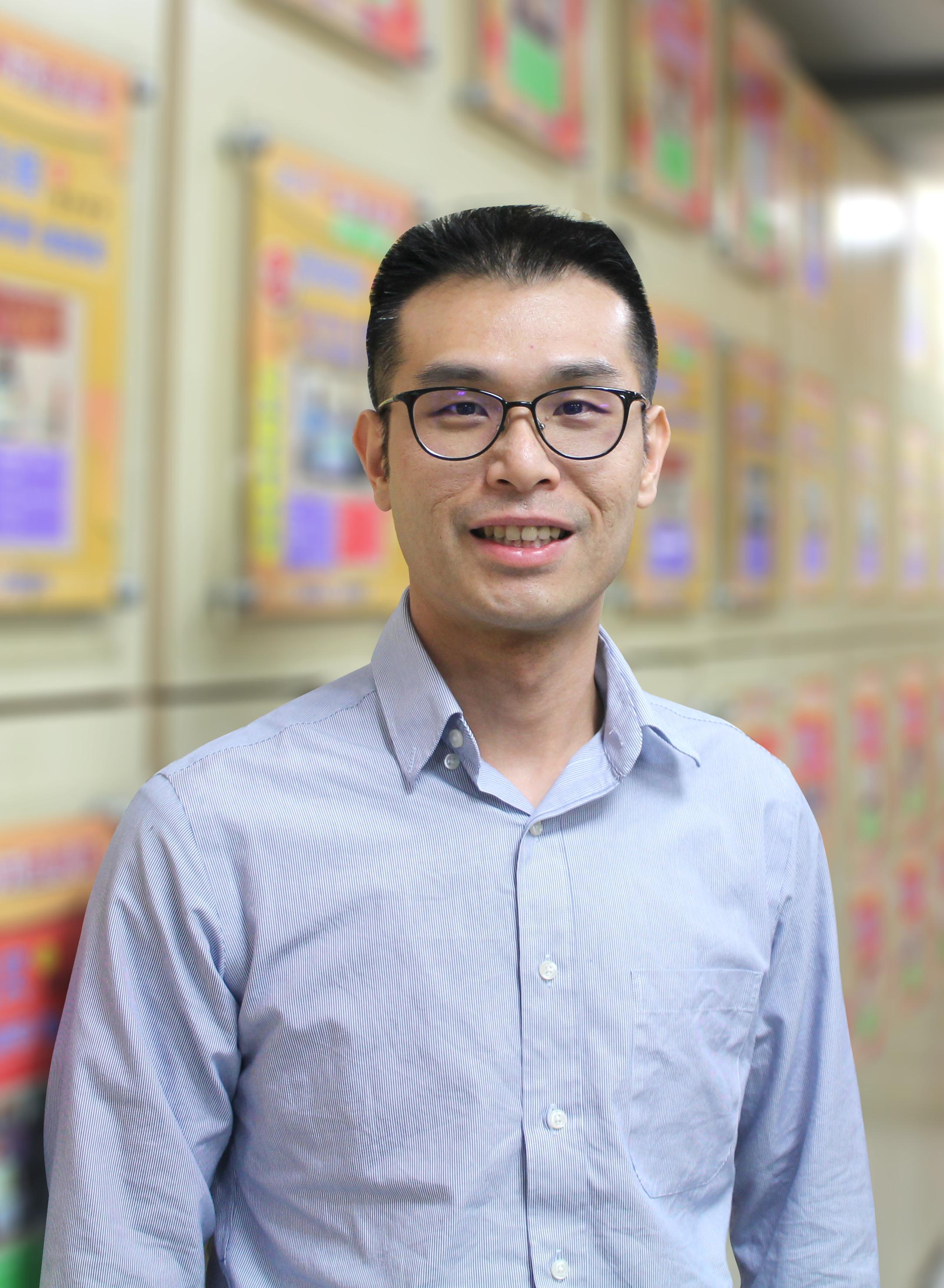 李鉌 老師